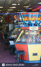 claw machine arcade stock photos u0026 claw machine arcade stock