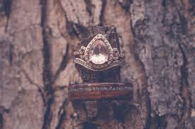 what is morganite what is morganite and why the heck is it so trendy weddingwire