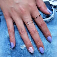 spray nail polish