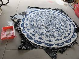Diy Rug Turning A Table Cloth In To A Rug A Diy Anthropologie Rug Dream