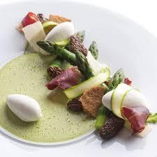 cuisiner asperges vertes fraiches asperges vertes morilles fraîches cecina et glace parmesan nos