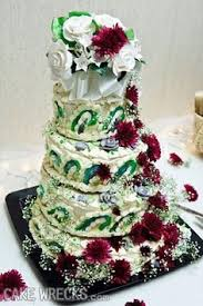 wedding cake disasters every time i see a wedding cake like this i think the same thing