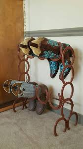 horseshoe ornaments 26 rustic horseshoe home décor ideas shelterness