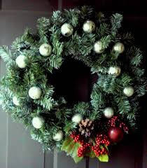 thrifty christmas wreath craft real housewives of minnesota