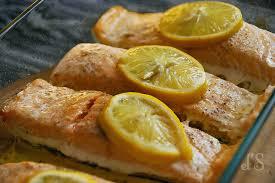 cuisiner pavé de saumon au four pavé de saumon sauce exotique recette tangerine zest