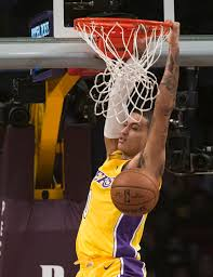 lakers rally from 19 point deficit to beat bulls 103 94 boston