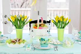 Easter Dinner Table Decorations by 33 Diy Easter Table Settings To Try At Home