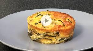 comment cuisiner l oseille courgette recette de flan de courgettes à l oseille vidéo