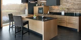 cuisine moderne avec ilot cuisine contemporain avec ilot et pierres noir déco cuisine