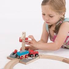 amazon com bigjigs rail gravel crane for train set toys u0026 games