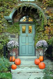 halloween decorated houses 96 best halloween decorations images on pinterest happy