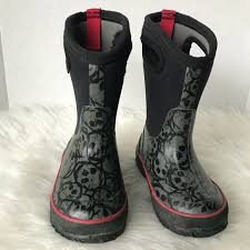 bogs s boots size 9 61 bogs other bogs toddler skulls high boots size 9