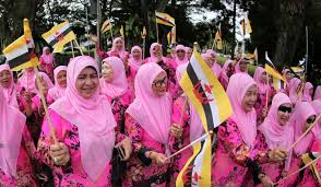 sultan hassanal bolkiah diamond car golden jubilee brunei celebrates 50 years at throne for sultan of