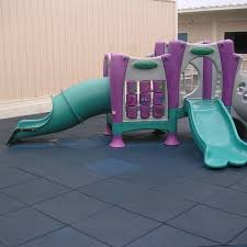 outdoor play matting helps parents keep up with their rascals