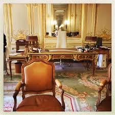 bureau militaire en images les détails qui tuent dans le bureau du premier ministre