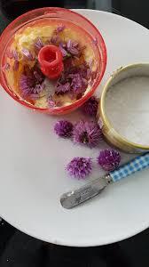fleurs de ciboulette en cuisine beurre aux fleurs de ciboulette recettes de cuisine marciatack fr