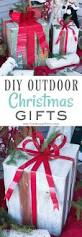 Diy Outdoor Christmas Decorations by Best 25 Christmas Storage Ideas On Pinterest Holiday Storage
