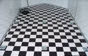 checkerboard vinyl floor