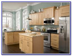 paint colors for honey maple cabinets painting home design