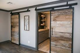 chip and joanna gaines to the rescue simple u0027fixer upper
