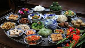 traditional meal in tet hanoitourist