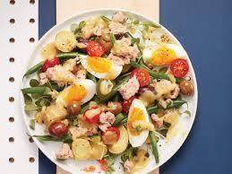 restaurant cuisine nicoise salade niçoise avec pousses foodies and salad