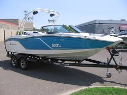 2016 mastercraft nxt22 electric blue flake 4 jpg