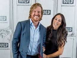 chip joanna gaines fixer upper s chip and joanna gaines are expecting a boy