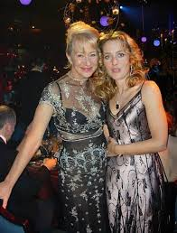 Gillian Anderson Latex - photos of gillian anderson images from gilliana twitter account