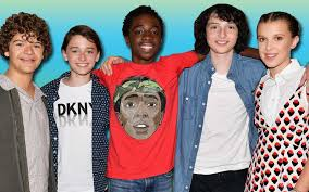 the social cast your favorite stranger things star shares his perfect idea for a