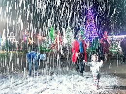 look beautiful glowing christmas village in baguio city