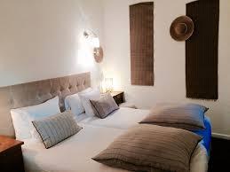 la chambre en direct chambre lits jumeaux et à mobilité réduite en rez de chaussée la
