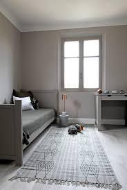 chambre enfant beige chambre chambre taupe chambre vert anis une chambre enfant taupe