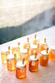 hochzeitsgeschenke f r die g ste glas mit honig geschenk fuer gaeste hochzeit zettel do it