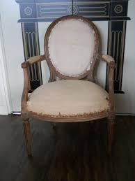 fauteuil louis xvi pas cher fauteuil medaillon galerie avec chaise medaillon pas cher occasion