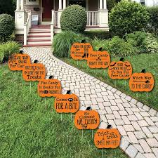 Funny Halloween Outdoor Decorations by 5659 Best Home Haunters Room For One More Images On Pinterest