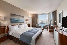 hotel geneve dans la chambre suite junior patio avec un agréable espace de vie au grand hôtel