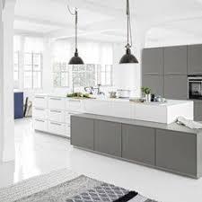 cuisine design allemande cuisine design allemande en laque mate blanche et grise lack
