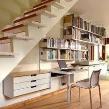 sous bureau design décoration bureau sous escalier recherche amarios