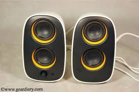 review philips multimedia speakers 2 0 cute but party hard