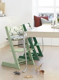 chaise b b stokke the tripp trapp high chair by stokke is one of the most versatile