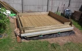 construire un bureau en bois pose semelle et madrier de sol bureau jardin bioclimatique