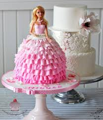 Best 25 Barbie Birthday Party by Best 25 Barbie Cake Designs Ideas On Pinterest Doll Cake