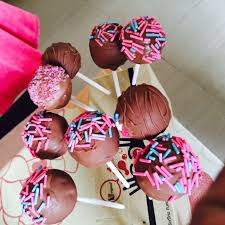 cake pops 101 make your own cake pops at home with a detailed