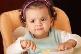 bimbo 13 mesi alimentazione alimentazione per bambini tra 6 e 9 mesi