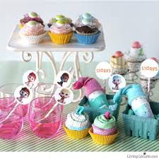 baby shower pacifiers baby pacifier cupcakes baby shower party ideas