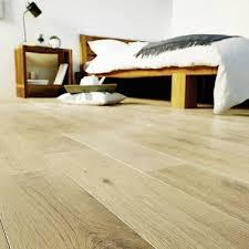 parquet pour chambre parquet blanc le revêtement de sol bois blanchi c est chic