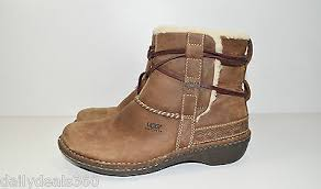 s ugg ankle boots ugg womans cove leather ankle boots s n 5136 size 8 what s it worth