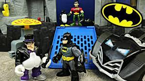 batman robin attacked penguin batcave