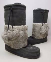 s boots with fur manitobah snowy owl s moccasin boots fur suede charcoal